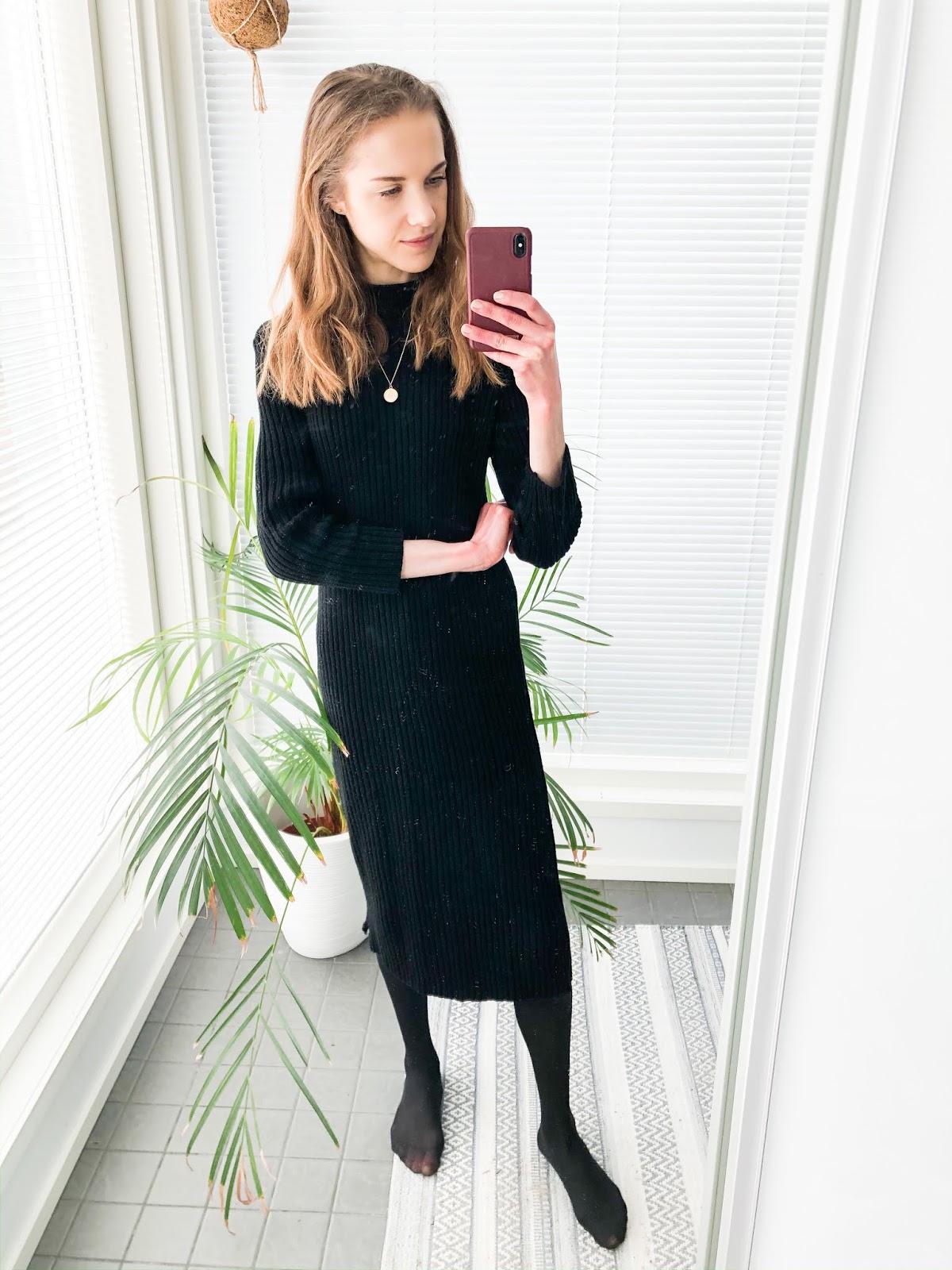Black ribbed jumper dress - Musta ribbattu neulemekko