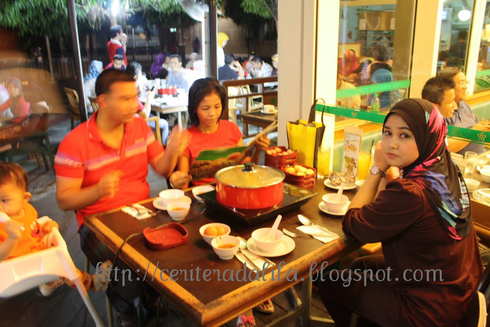 Dalila Hamid: Johnny's Steamboat Restaurant - Alamanda, Putrajaya