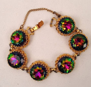 Image showing a 1950s Schiaparelli heliotrope watermelon tourmaline bracelet, part of a suite sold for $1080