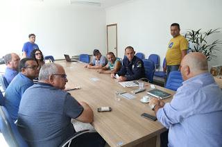 http://vnoticia.com.br/noticia/1426-prefeitura-e-oficinas-fazem-reuniao-para-por-fim-a-pratica-antiga-em-sfi