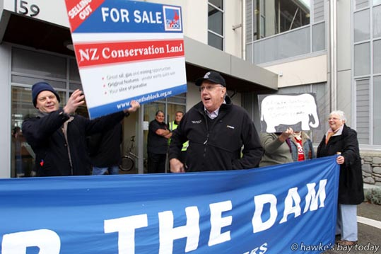 L-R: Dr Trevor Le Lievre, protester; Peter Butler, mayor, Central Hawke's Bay District Council, a supporter - Protesters outside the Hawke's Bay Regional Council, Napier, before a meeting about the Ruataniwha Dam in Central Hawke's Bay.