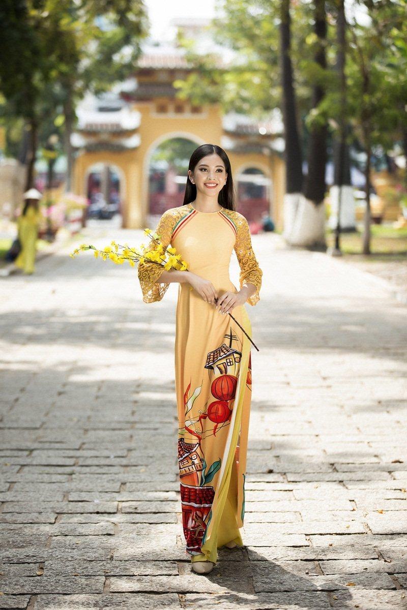 Tiểu Vy duyên dáng tà áo dài du xuân @BaoBua: Duyên
