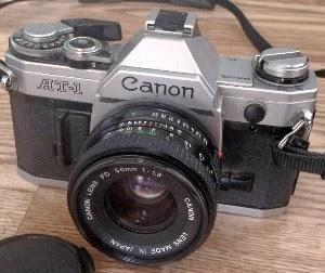 Canon AT-1 tampak depan