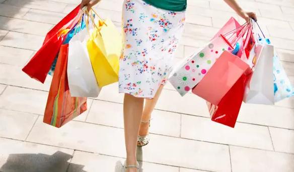 Tips Atur Keuangan untuk yang Hobi Belanja