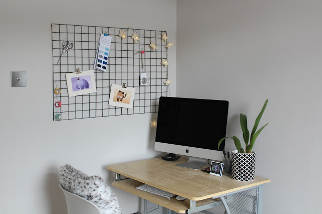DIY Wire Mesh Memo Board