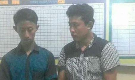 Kedua tersangka pemilik sabu Evan Kurniawan dan Agung Wasyuri