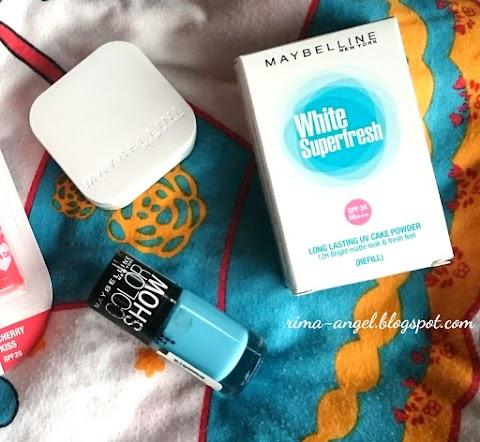 Review Maybelline White Superfresh Long Lasting UV Cake Powder - Natural