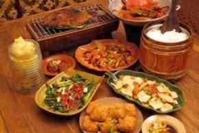 7 Tempat Wisata Kuliner di Bandung yang Murah dan Populer