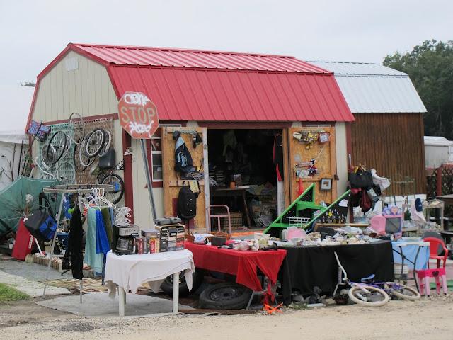 Mount Dora Renningers flea market close to orlando Passeio bate volta em família