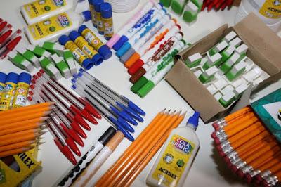 Tem Na Web - Pais se organizam para gastar menos com material escolar