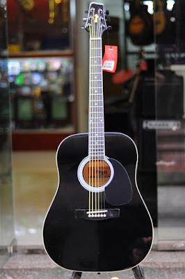 Đàn Guitar Acoustic Stagg SW203BK hiện nay giá bao nhiêu