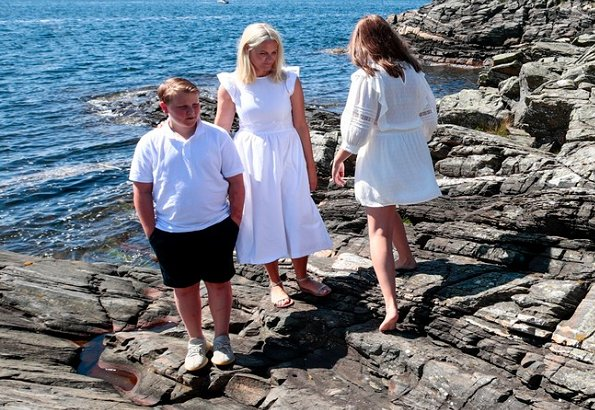 Crown Princess Mette-Marit, Princess Ingrid Alexandra and Prince Sverre Magnus attended the 2019 summer photo session