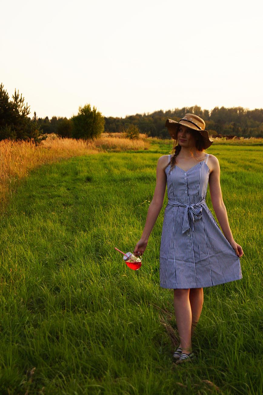 sukienka_w_paski