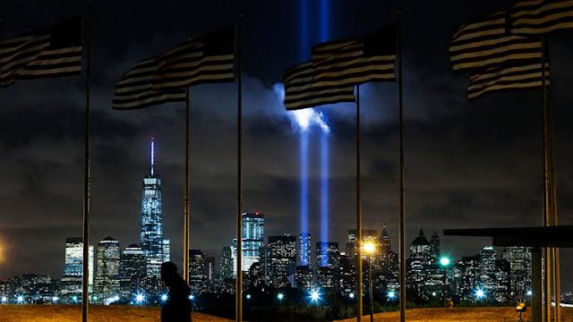 """Aparece un """"ángel"""" sobre el lugar donde se levantaban las Torres Gemelas de Nueva York"""