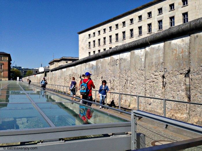 סיור בחומת ברלין ובצ'ק פוינט צ'רלי