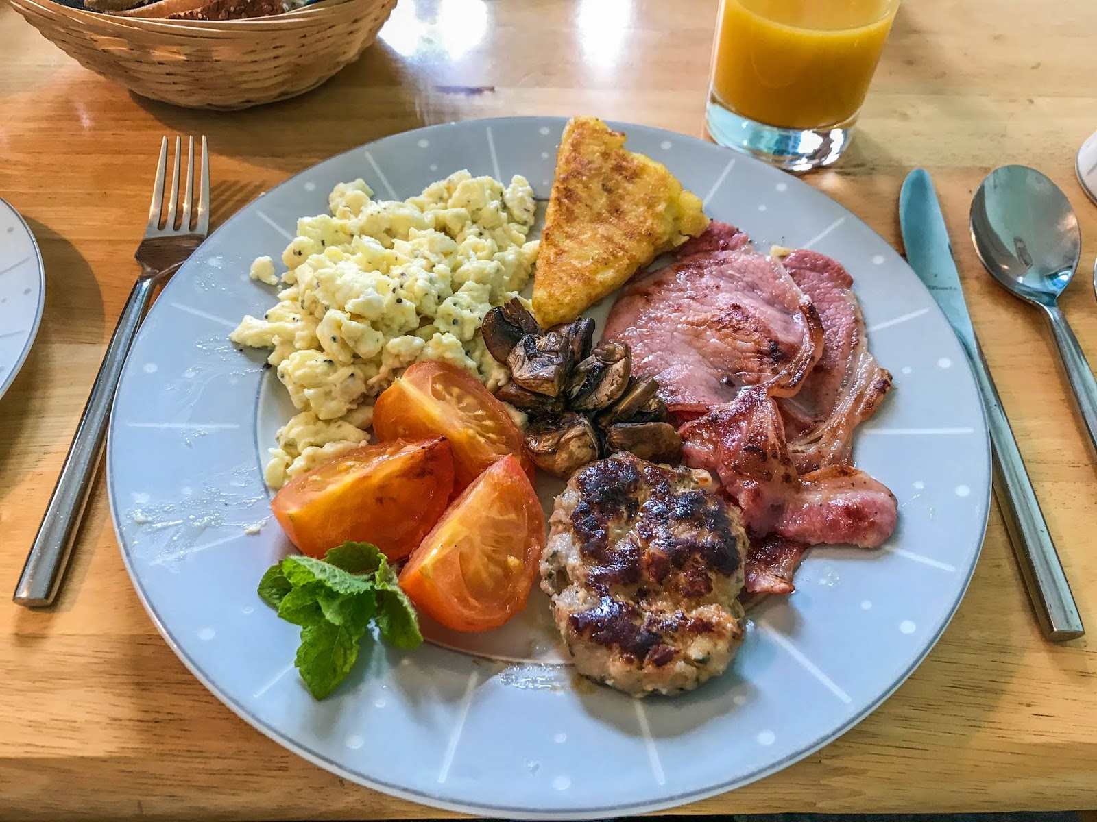 Scottish breakfast, forty augustus, Scotland, Summer in scotland, eggs, tomatoes, blood pudding