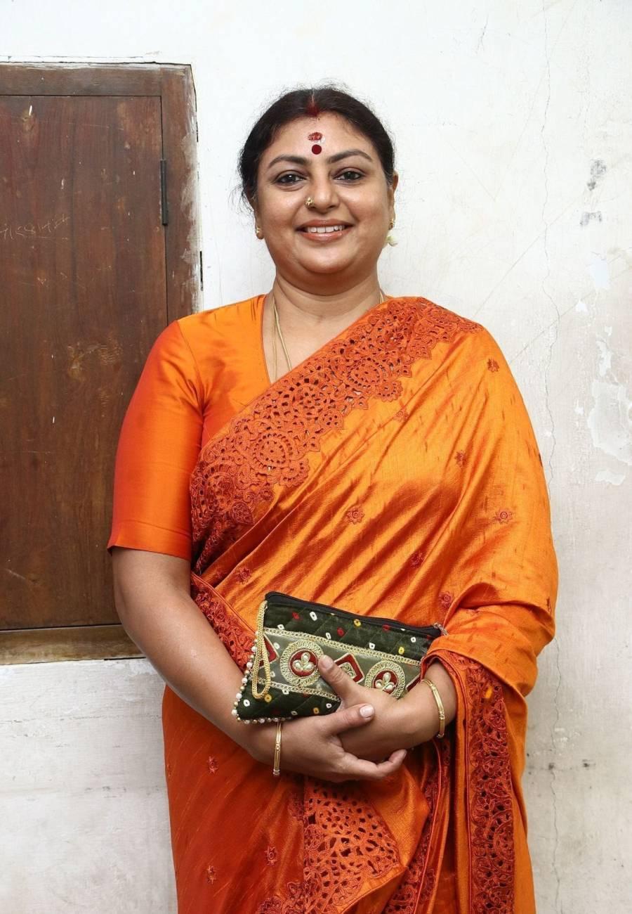 Indian Actress Sriranjani Stills In Orange Saree