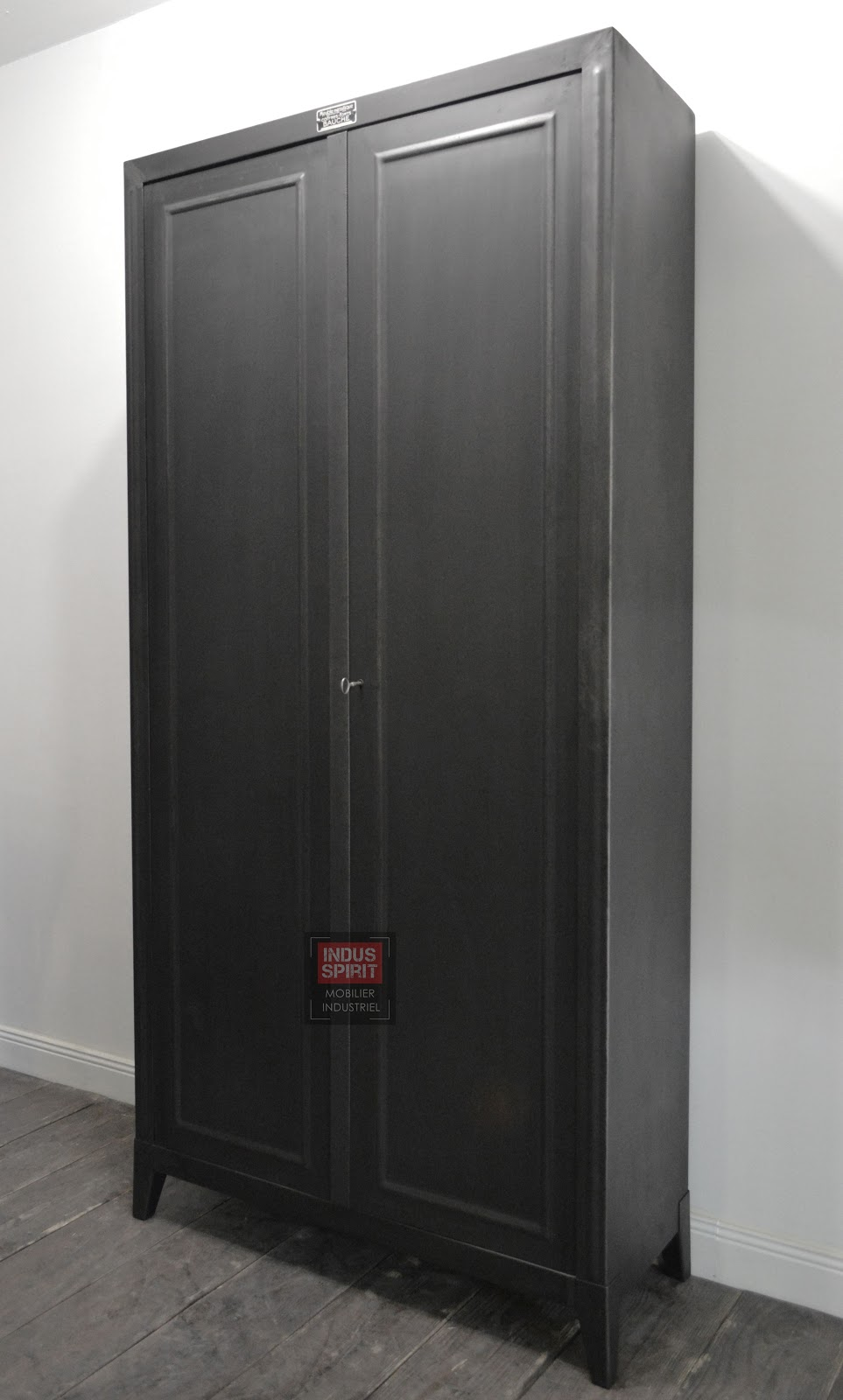 armoire m tallique bauche. Black Bedroom Furniture Sets. Home Design Ideas