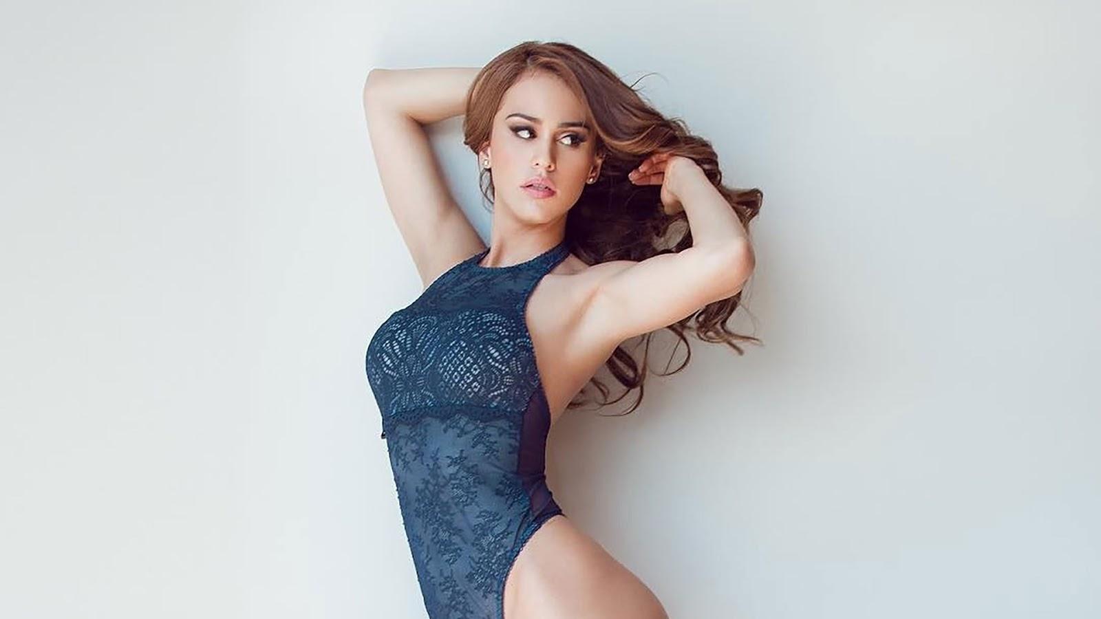 Sexy yanet garcia Yanet Garcia