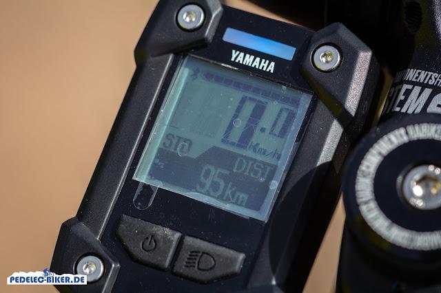 Das Display der Yamaha PW-X Antriebseinheit zeigt die Unterstützungsstufen in unterschiedlichen Farben an.