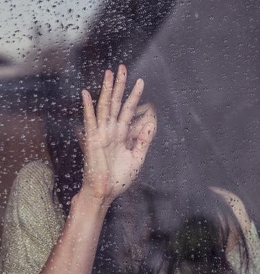 hand-people-girl-woman-window-sad-892085-pxhere.com.jpg