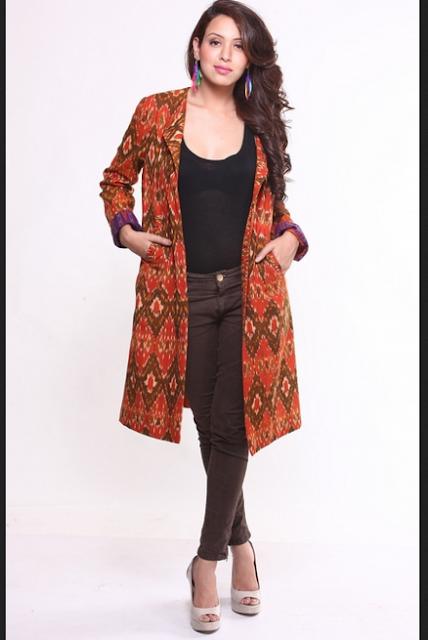 Model baju batik semi-kasual untuk wanita