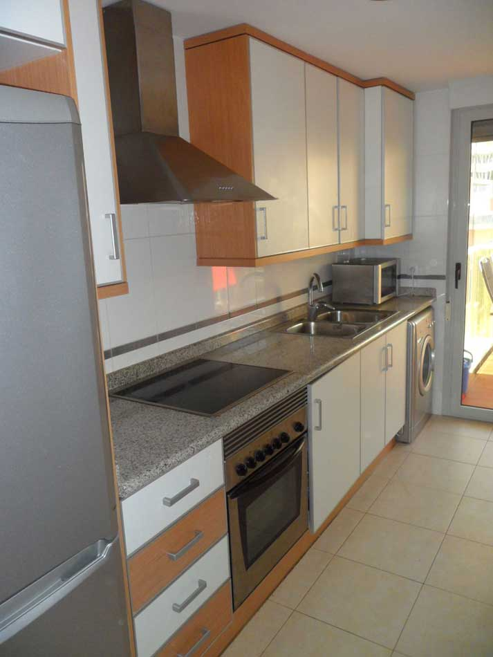 apartamento en venta calle apostol santiago benicasim cocina1