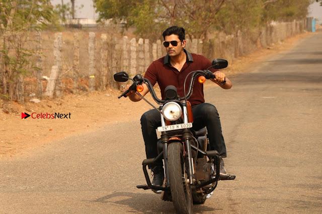 Ganesh Venkatraman Swetha Menon Starring Inaiyathalam Movie Stills  0015.JPG