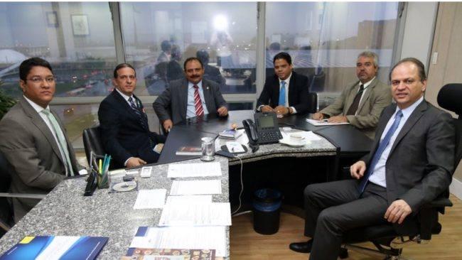 MARATONA POLÍTICA: Prefeito eleito Fábio Gentil se reúne com Ministro em busca de melhorias para saúde de Caxias