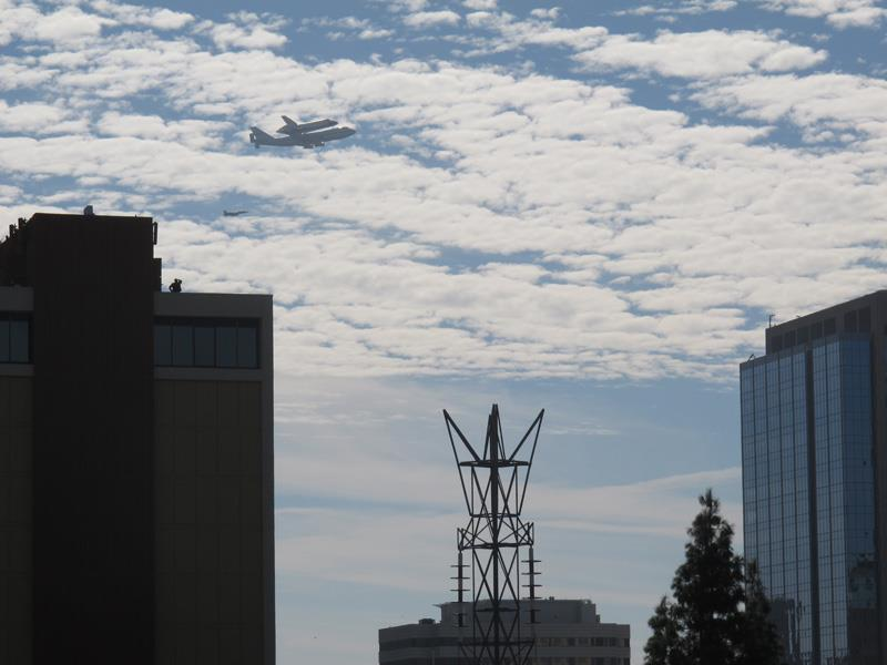 Space Shuttle Discovery Flyover Washington DC - YouTube |Space Shuttle Flyover