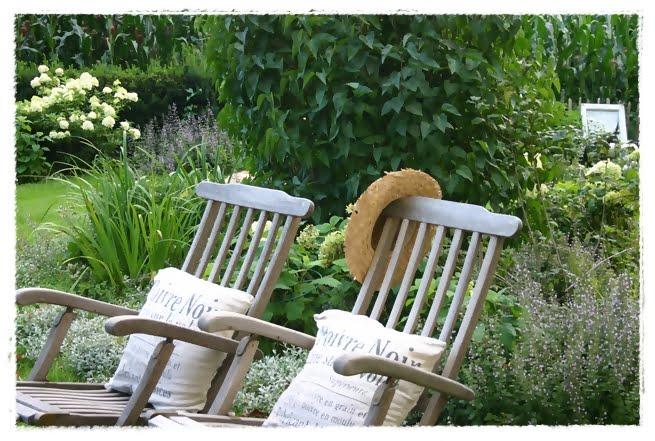 lovely vintage sommer im landhaus garten. Black Bedroom Furniture Sets. Home Design Ideas