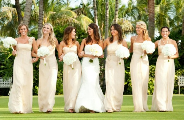 Bridesmaid Dresses In Neutrals Champagne Beige And Pale: Brideindream: Stunning Wedding Theme Of Champagne