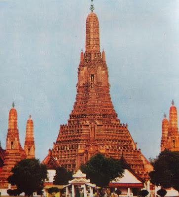 Foto Wat Harun di tepi Sungai Menam Bangkok