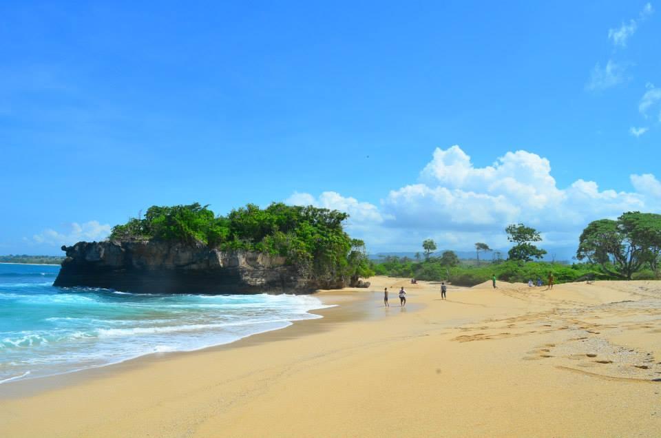 Pantai Leppu di Labangka, Pantai Terindah di Sumbawa