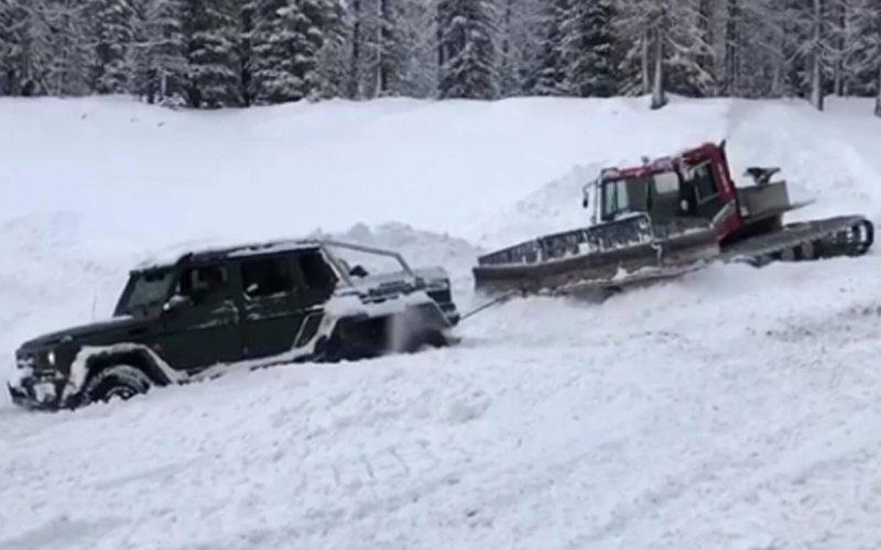 Μια AMG G63, το απόλυτο τέρας των 6 τροχών και των 5 μπλοκέ διαφορικών κόλλησε στο χιόνι! (ΒΙΝΤΕΟ)