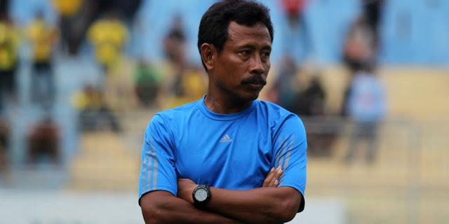 http://soccerroom8.blogspot.com/2016/05/persebaya-tidak-suka-kepemimpinan-wasit.html