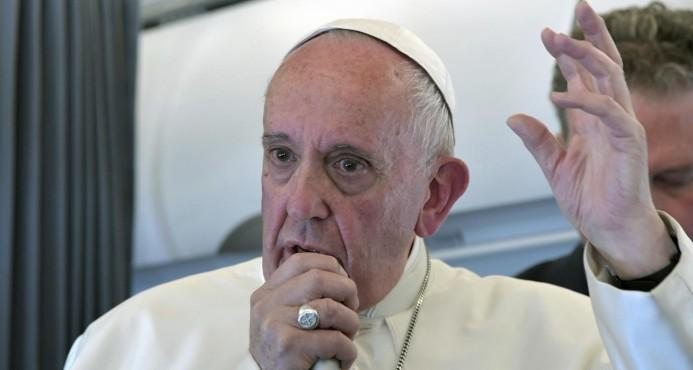 El papa reconoce retraso de 2.000 casos de abuso sexual en la iglesia católica