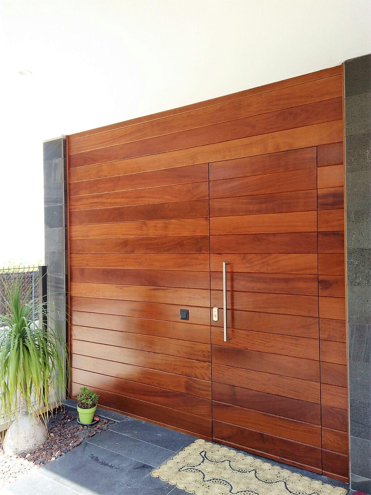Puertas entrada exterior excelente doble puerta de for Puertas macizas exterior