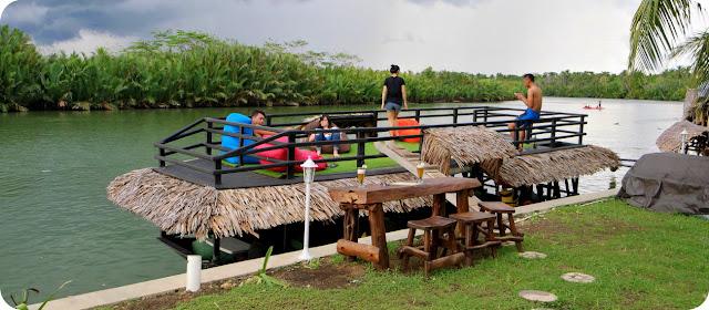 Perahu Shane Josa Resort Batu Karas