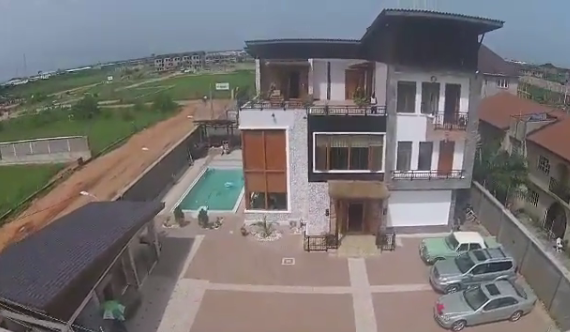 Pictures of Kunle Afolayan house in Magodo Lagos.