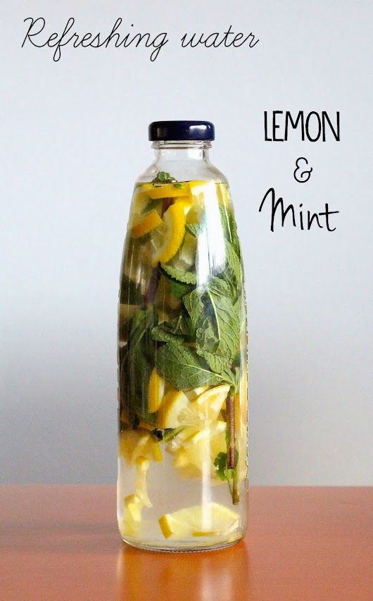 Refreshing water with lemon and mint