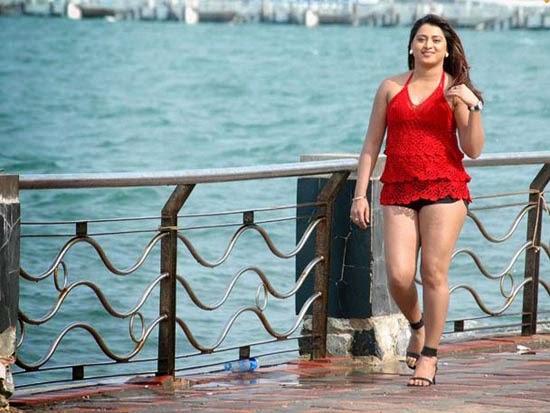 Farah Khan Super Hot In Red Dress Exposing Her Thighs -7010