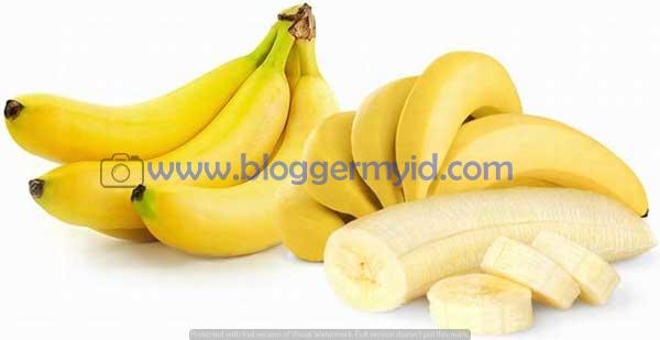 Pada kesempatan kali ini kita membahas mengenai 15 Manfaat Buah Pisang Bagi Kecantikan Dan Kesehatan Tubuh. Kemudian bagi Anda yang tidak sempat membaca postingan yang lalu, alangkah beruntungnya jika Anda membacanya terlebih dahulu yaitu mengenai Manfaat Buah Bit dan mungkin masih jarang diketahui oleh banyak orang.  Pisang merupakan buah yang sering dijumpai, pisang bisa di olah menjadi berbagai jenis makanan ataupun langsung dimakan.  Karena memiliki rasa yang manis serta tekstur buah yang lembut, pisang menjadi salah satu buah favorit bagi masyarakat.  Selain memiliki rasa yang manis dan lembut, pohon pisang juga mudah tumbuh di sembarang tempat. Pohon pisang juga tidak memerlukan perawatan yang khusus, selain itu pohon pisang dapat tumbuh dengan sendiri.  Banyak masyarakat yang tahu bahwa buah pisang memiliki segudang nutrisi yang baik bagi tubuh. Tak heran manfaat buah pisang pun banyak sekali. Adapun kandungan nutrisi pada buah pisang yaitu vitamin A sebanyak 81 UI, vitamin B6 0,5 miligram, vitamin C 9 miligram, kalium 450 miligram, magnesium 34 miligram, karbohidrat 23 gram, protein 1 gram, folat 25 microgram, mangan 0,3 miligram, vitamin B12 0,1 miligram, vitamin B3 0,8 miligram, zat besi 0,3 miligram, serat 3 gram, sodium 1 miligram. Kandungan-kandungan nutrisi tersebutlah yang melatarbelakangi banyaknya manfaat buat pisang bagi kecantikan dan kesehatan. Untuk itu rajin-rajinlah mengkonsumsi buah pisang.  Selain buah pisang yang memiliki kandungan nutrisi dan berbagai manfaat, ternyata buah nanas juga memiliki berbagai manfaat dan nutrisi. Penasaran seperti apa yang ada dalam kandungan buah nanas, dan manfaat apa saja yang Anda dapatkan jika mengkomsumsinya?  Anda bisa membacanya pada postingan yang lalu mengenai 13 Manfaat Buah Nanas Bagi Kesehatan dan Kecantikan  Bagi anda yang penasaran apa manfaat buah pisang bagi kesehatan, berikut ini beberapa manfaat buah pisang yang wajib anda ketahui.  1. Mengobati magh  Banyak yang mengatakan bahwa penderita magh