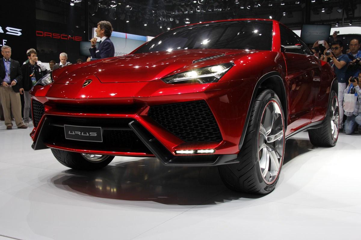Lamborghini Urus Pictures Review