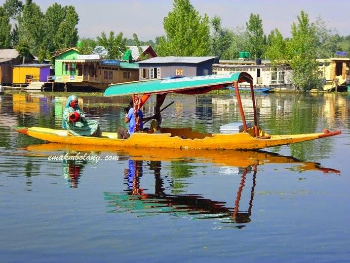 Foto Dengan Baju Kashmir