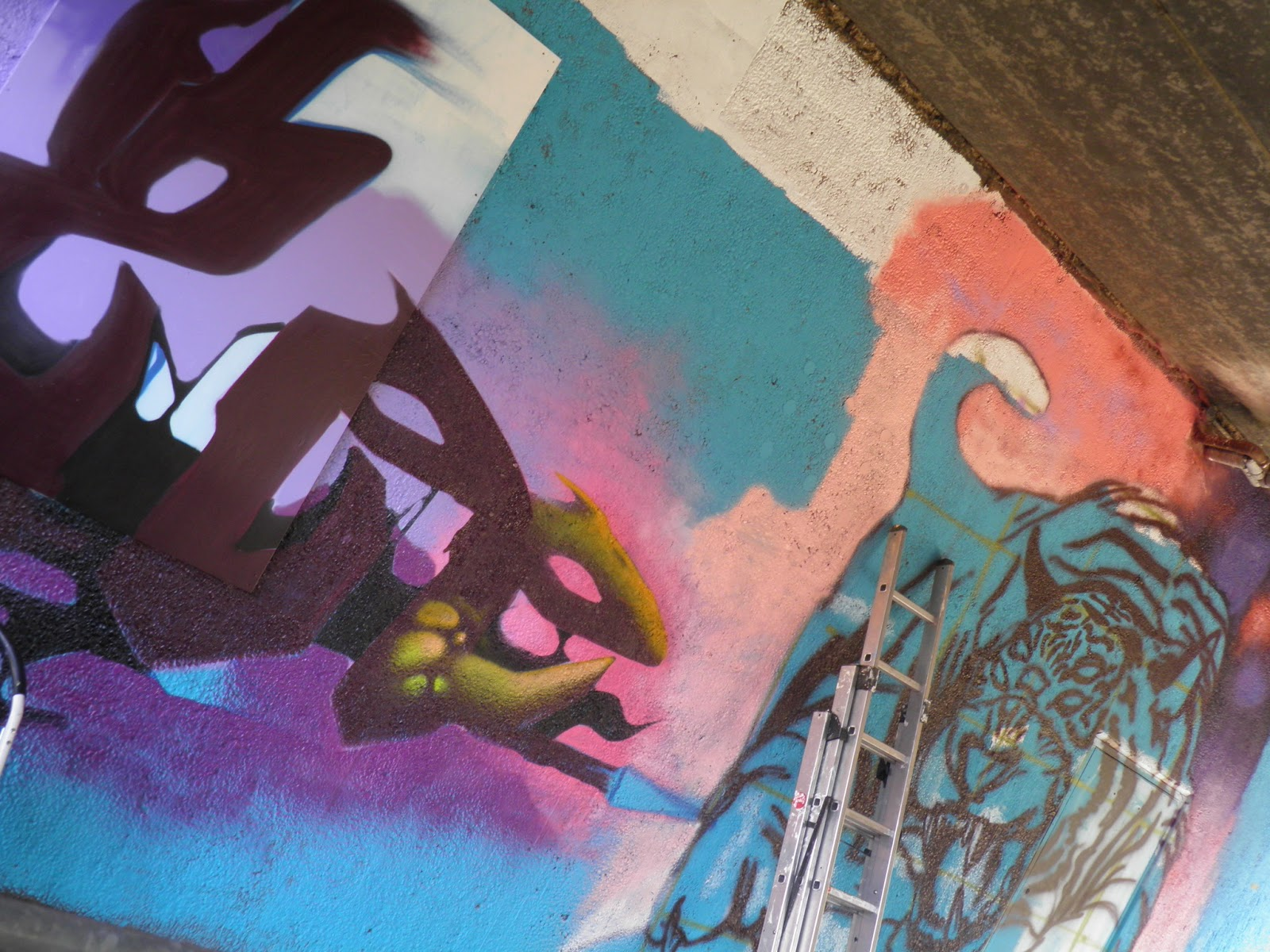 a46667d25eec9 ... see more of our ugly urban areas covered in true graffiti art like  this