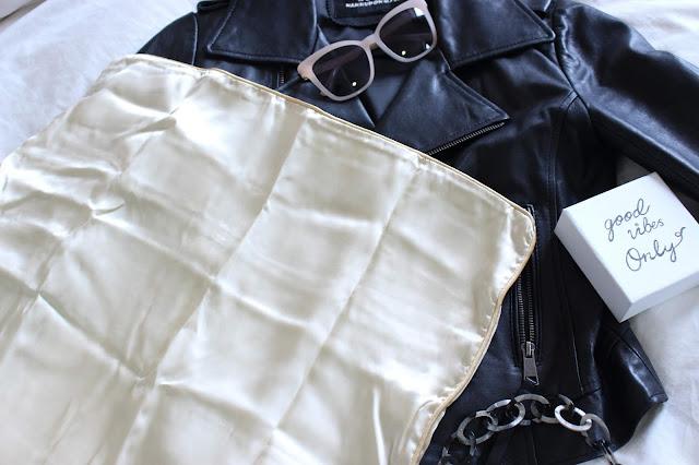 holistic silk review, holistic silk eye mask, holistic silk pillowcase review, holistic silk pillowcase, holistic silk scrunchie, holistic silk eye mask review, holistic silk pillowcase review, holistic silk