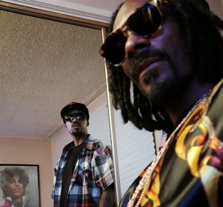 SOTD : Snoop Doggy Dogg -> Snoop Dogg -> Snoop Lion -> Snoopzilla |  7 Days Of Funk - Dam Funk und Snoop (Stream)