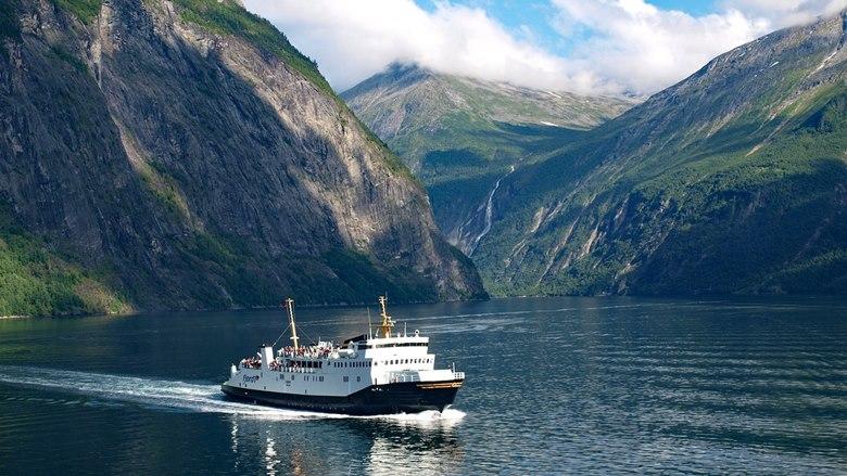 Rejsy statkiem w Norwegii po fiordach.