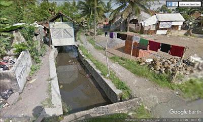 Kondisi Kampung Lengo yang kumuh sebelum ditata menjadi zona kece. Sumber google street view.